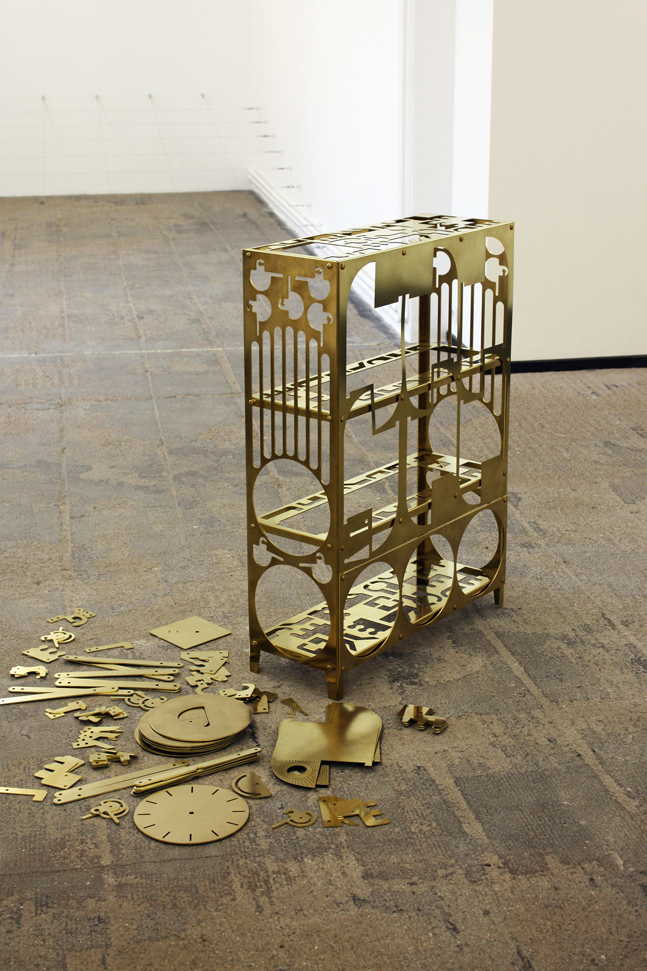 parasite-production-samuel-treindl-brass-shelf-04